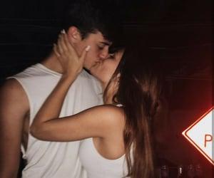 beijo, casal, and namoro image