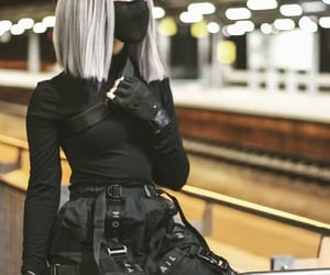 black, streetstyle, and tenue image