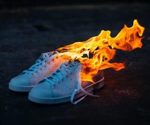 кеды, огонь, and кроссовки image