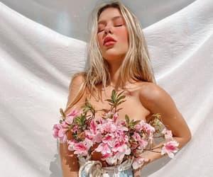 blonde, fashion, and flor image