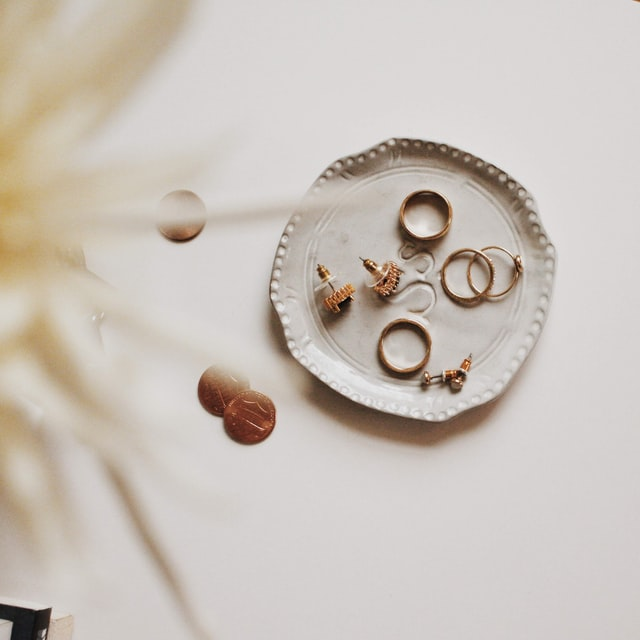 article and fashion jewelry image