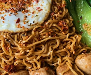 fried egg, instant noodles, and ramen image