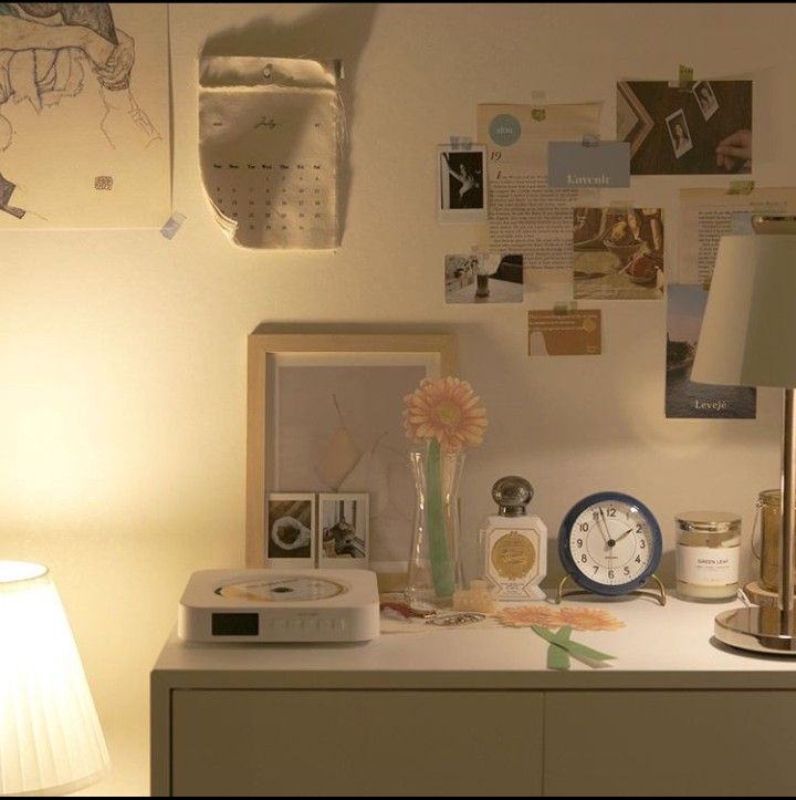 aesthetic, desk, and room image