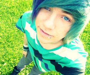 boy, emo, and blue hair image