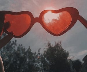 aesthetic, red, and glasses image