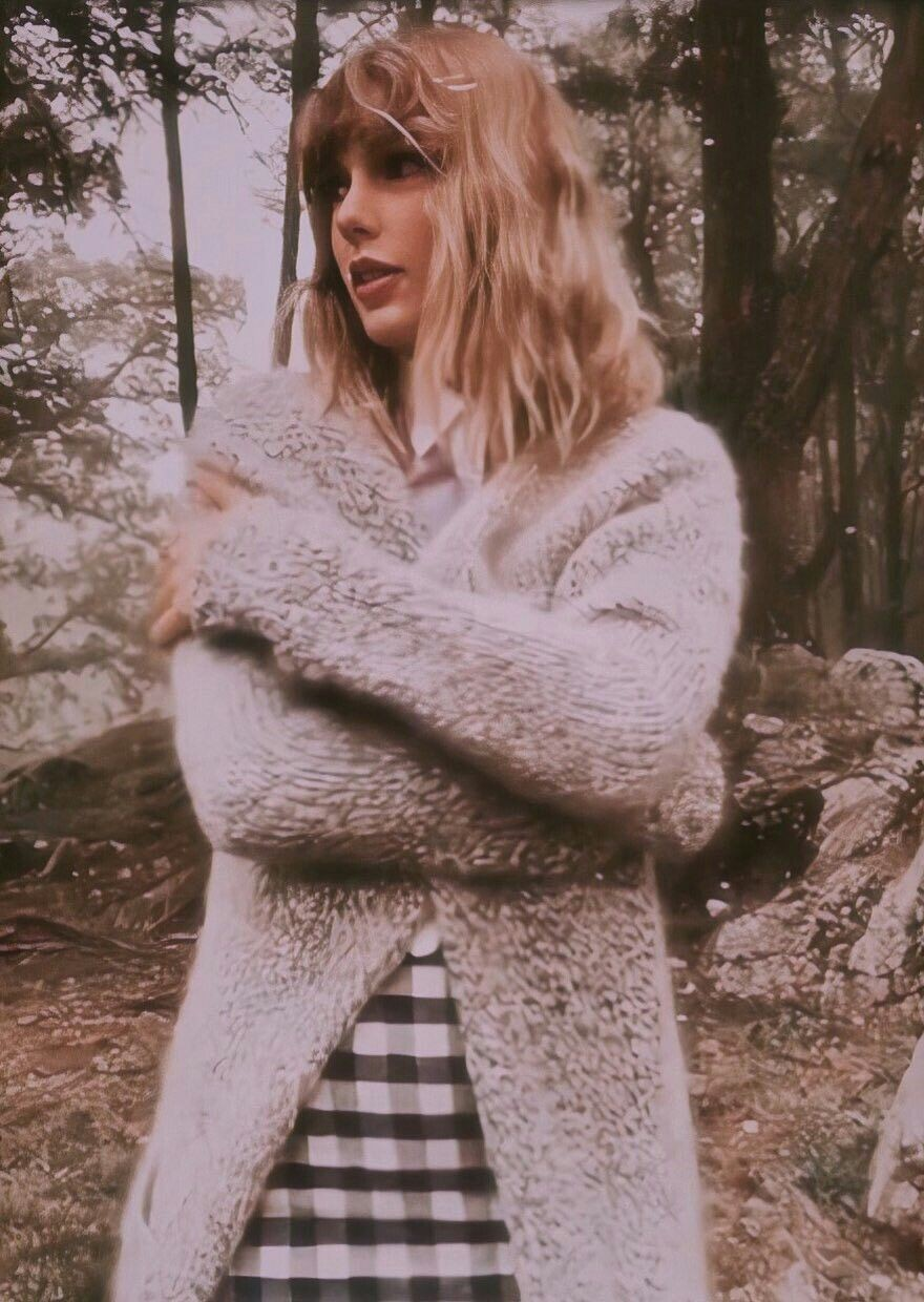 article, folklore, and Taylor Swift image