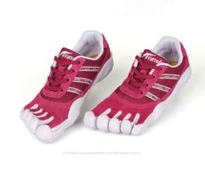 toe shoes, running shoes, and five finger shoes image