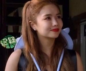chloe, liu yuxin, and esther yu image