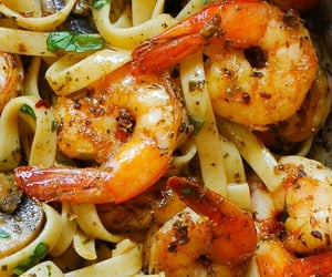 Pesto Shrimp Fettuccine  https://pin.it/1CAg0F1