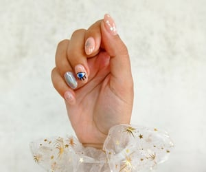 baile, nailart, and scrunchie image