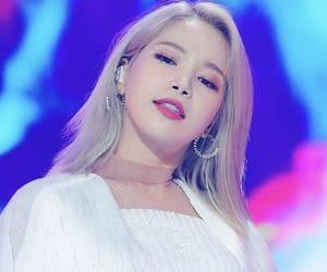kpop, moonbyul, and hwasa image