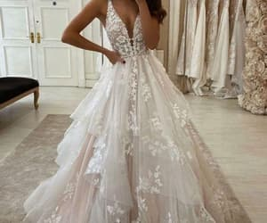 off white wedding dresses ball gown lace applique v neck sleeveless elegant tiered wedding gown