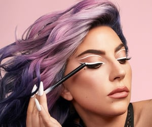 Lady gaga, moda, and eyeliner image