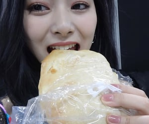 bread, icons, and tzuyu image