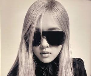 rose, fashion, and kpop image