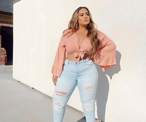 curvy, women, and ootd image