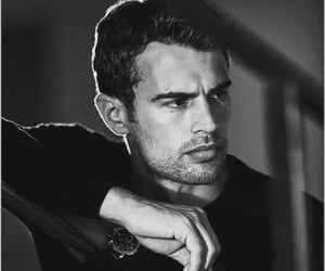 theo james and divergente image