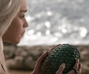 gif, game of thrones, and daenerys targaryen image