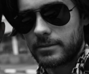 30 seconds to mars, sunglasses, and jared leto image