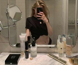 bathroom, body, and girls image