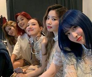 twice momo, dahyun, nayeon, jihyo, and sana!!