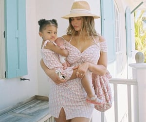 stormi webster and kylie jenner image