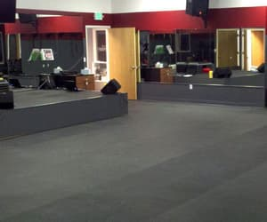 gym flooring in dubai image
