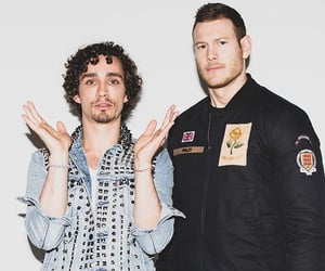 the umbrella academy, robert sheehan, and tom hopper image