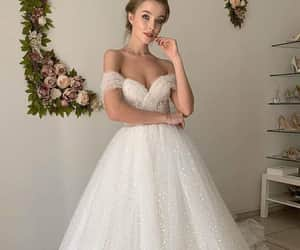 A-line Off-the-Shoulder Chic Tulle Pearls Rustic Wedding Dress Bridal Gown QW2148|SQOSA