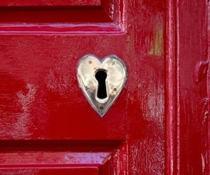 coeur, porte, and red image