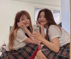 hayoung, fromis, and son hayoung image
