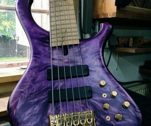 Marleaux 5-String Bass Guitar in Purple www.markeaux-bass.de/
