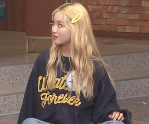 gowon, loona, and kpop image