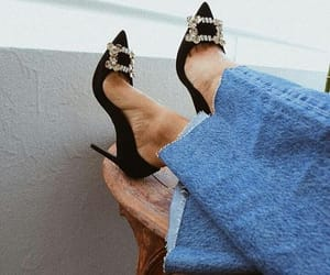 "Lolla's Corner on Instagram: ""#details #detailsoutfit #shoe #jeans #trendy #trendydetails #classy #style #stylish #fashiontrend #fashionstyle #fashion #fashionable…"""
