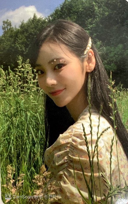 jinsoul, loona, and summer package image