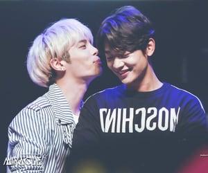 Jonghyun, kim jong-hyun, and SHINee image