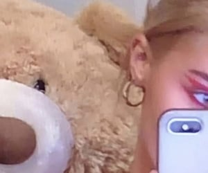 eye makeup, teddy bear, and selfie image