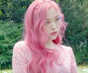 dreamcatcher, people, and female idols edit image
