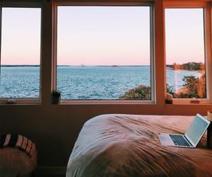 вода, комната, and ноутбук image