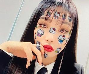 chungha, kpop, and selfie image