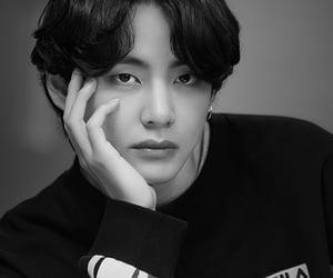 v, kim taehyung, and bts image