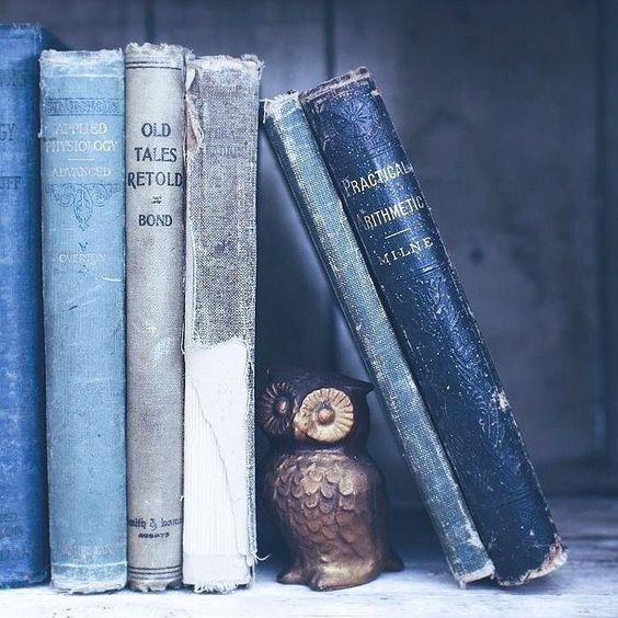 article and books image