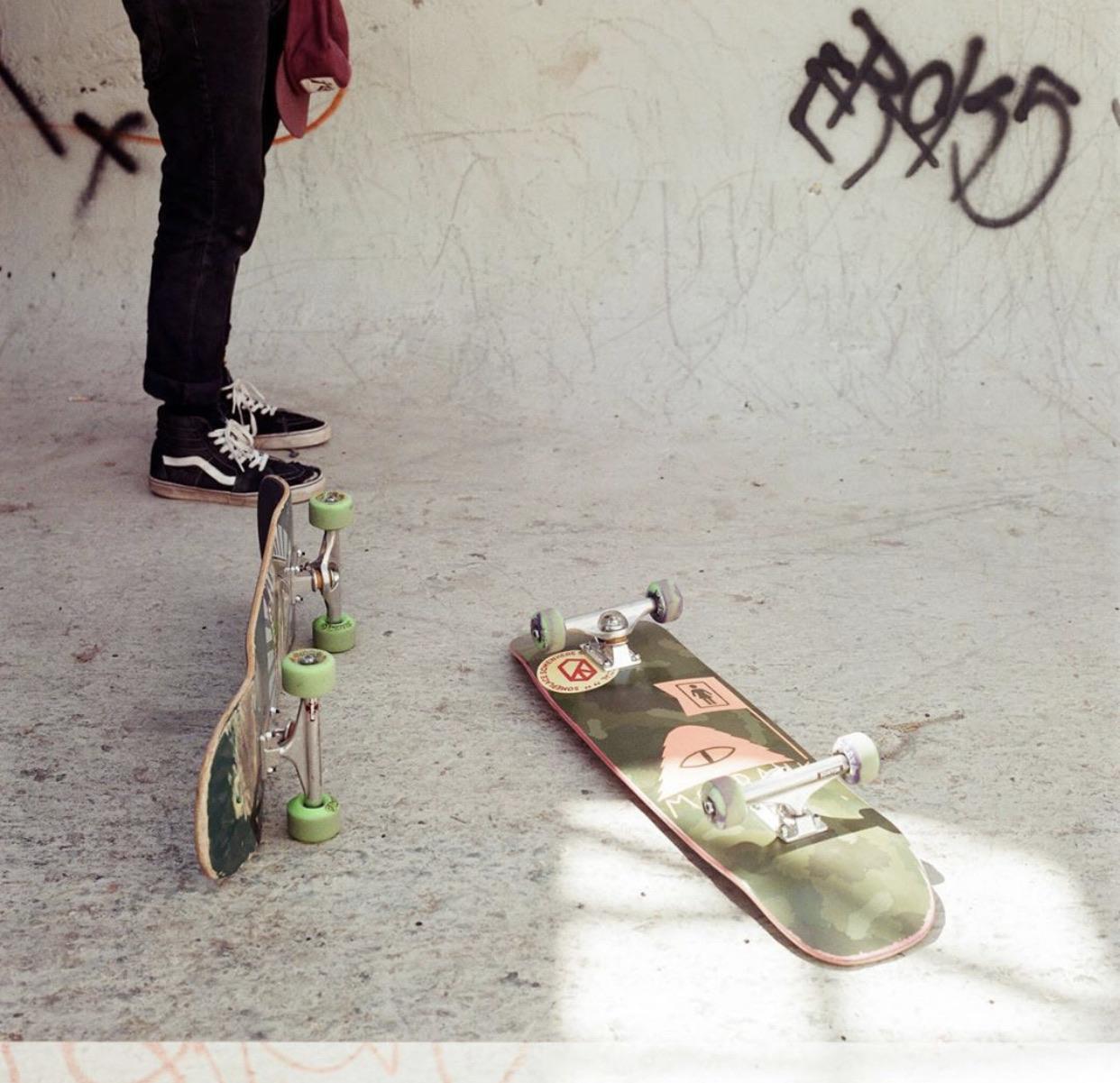 aesthetic, grunge, and skateboard image