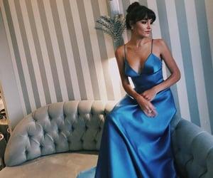 actress and hande erçel image