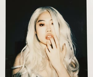 blonde, kpop, and lips image