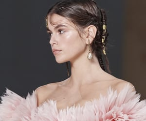 icons, model icons, and kaia gerber image