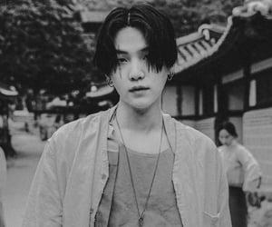kpop, dark, and min yoongi image