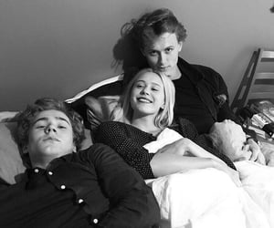 skam, isak, and noora image