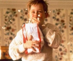 food, Macaulay Culkin, and christmas image
