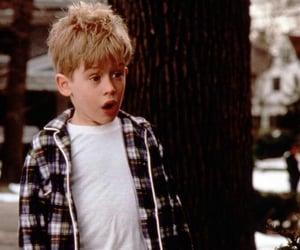 Macaulay Culkin, xmas, and movie image